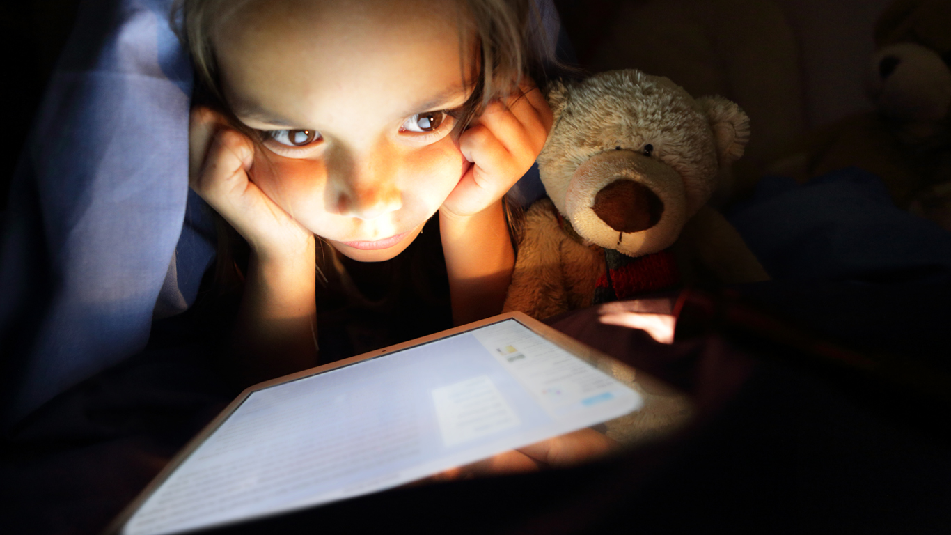 Avoid technological dependence with these 5 detox steps for your children